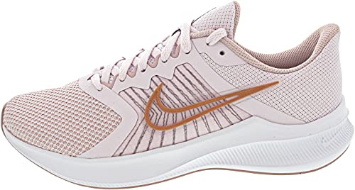 Nike Wmns Downshifter 11, Zapatillas para Correr Mujer, Light Violet Champagne White Metallic Red Bronze, 41 EU