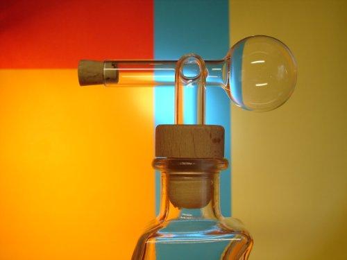 Glasausgießer, Portionierer, Ausgießer, Dosierer, Glaskugelportionierer, Schnapsspender 2cl, mit Holzgriffkork