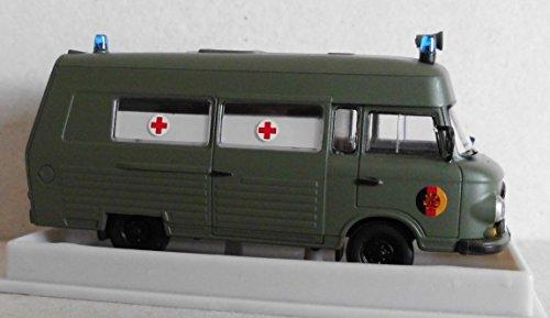 Brekina Barkas B 1000 SMH 3, Krankenwagen der NVA, Modellauto in 1:87/H0, 30404