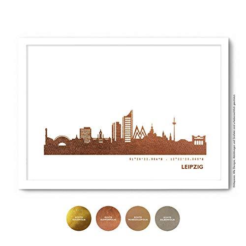 Leipzig Skyline Bild Wandeko, Personalisierte Geschenkidee für Besondere Anlässe in S/W Rose Gold Silber Kupfer - Pesönlicher Text & Rahmen A4/A3