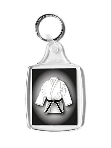 Festeggia il tuo nuovo dan con un piccolo regalo. Dimensioni dell'immagine: 45 x 35 mm. Realizzato in acrilico. Perfetto per essere appeso ad una borsa da sport, in auto e per le tue chiavi. Cintura disponibile in altri colori.