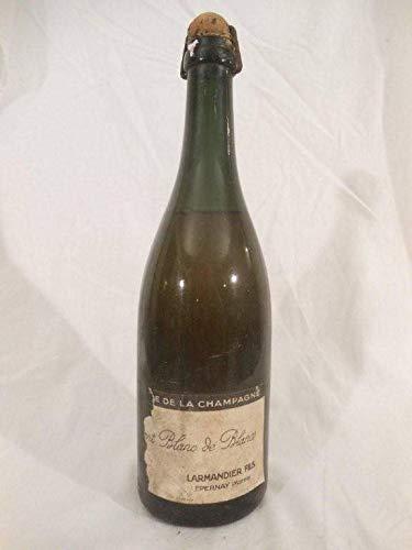cramant larmandier et fils étiquette très déchirée blanc années 60 - champagne - une bouteille de vin