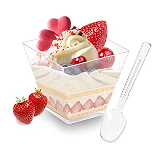 Hbsite 50 Piezas Tazas de Postre 3oz con cucharas Parfait de plástico Transparente Taza Cuadrada Tazón de porción desechable para degustación de Fiestas(3 oz-90ml)