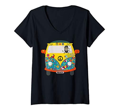 Womens Gift flower child Hippie who loves tie dye weed & barefoot V-Neck T-Shirt