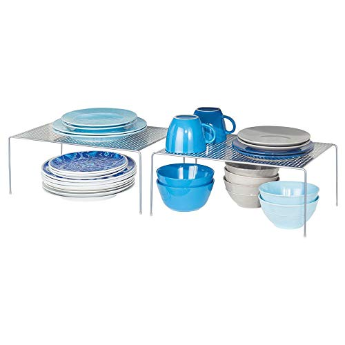 mDesign Juego de 2 estantes de cocina – Soportes para platos independientes de metal – Organizadores de armarios extragrandes para tazas, platos, alimentos, etc. – plateado