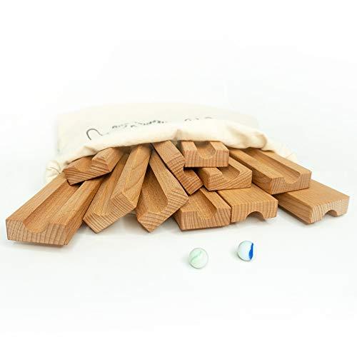 rewoodo Circuito de canicas, caja de arena de madera, para exterior e interior, incluye 21 canicas con mochila de algodón, juguete de madera de Alemania