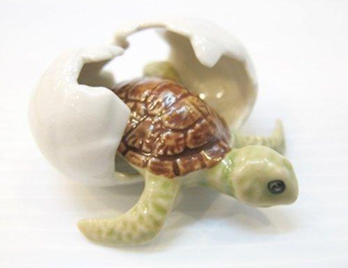 ChangThai Design Dollhouse Miniatures Ceramic Turtle in Egg FIGURINE Animals Decor