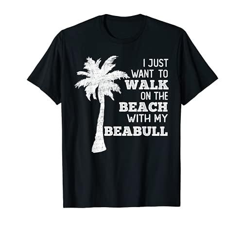 ビーブル犬の飼い主と一緒にビーチを歩きたい Tシャツ