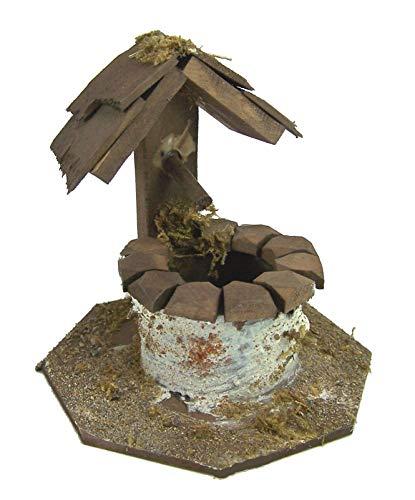 Krippenshop Brunnen aus Holz mit kleinem Dach, Höhe 9 cm. Zubehör für Weihnachtskrippe.