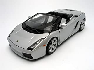 Maisto 1:18 Scale Lamborghini Gallardo Spyder Diecast Vehicle (Colors May Vary)
