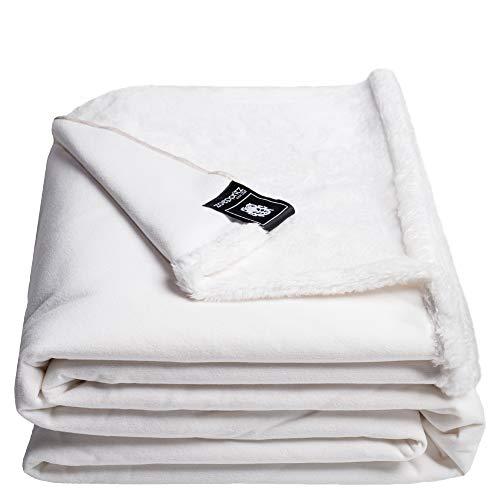 Reborn Bliss-Decke – Kunstfell Kuscheldecke – flauschige und luxuriöse Fellimitat-Decke mit glatter Rückseite - 140x190 cm – 000 white – von 'zoeppritz since 1828'