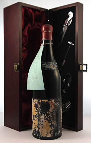 Richebourg Grand Cru 1961 Lebegue-Bichot in einer mit Seide ausgestatetten Geschenkbox, da zu 4 Weinaccessoires, 1 x 750ml