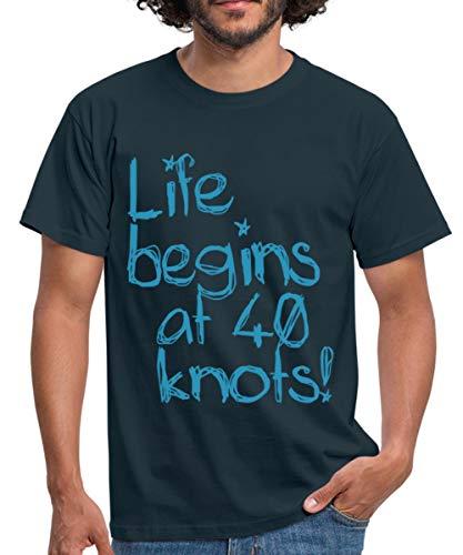Life Begins at 40 Knots Segeln Motorboot Männer T-Shirt, XXL, Navy
