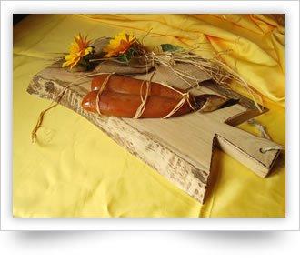 Bottarga di muggine prodotta a Cabras dagli artigiani di Giovanni Spanu. Sardegna. Baffa da 120 gr