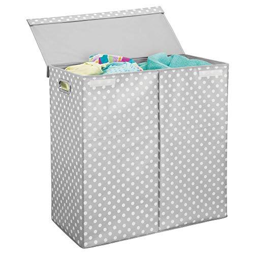 mDesign moderner Wäschekorb mit Deckel – faltbarer Wäschesack fürs Badezimmer mit Tragegriffen – Wäschetruhe mit zwei Fächern und Punkte-Muster – hellgrau/weiß