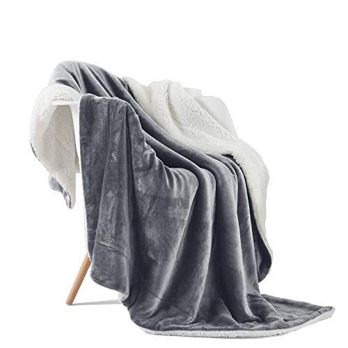 VOTOWN HOME Sherpa Decke Dunkel Grau weich Wohndecke 150x200 cm, Doppelschicht warm flaushig Fleecedecke als Wohndecke/Sofadecke, Flanell Mikrofaser-Flausch Decke für Bett oder Couch