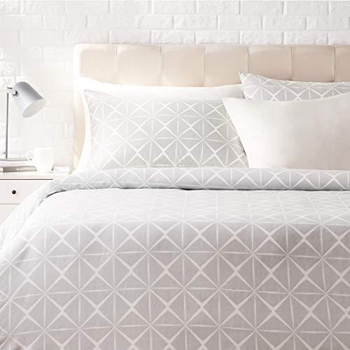 Amazon Basics - Juego de ropa de cama con funda de edredón, de satén, 155 x 200 cm / 50 x 80 cm x 2, Gris cuarzo