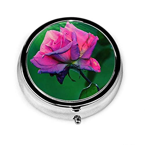 Pastillero redondo con 3 compartimentos Estuche pequeño para pastillas Portátil para monedero de bolsillo Roseflowerplantpetalpinkleaveswater