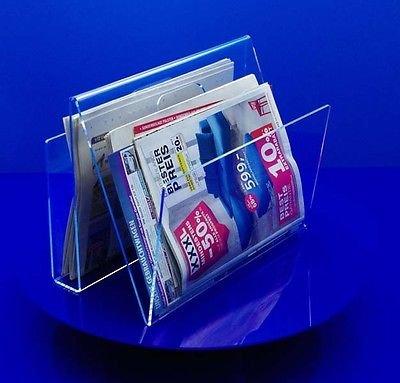 kleiner Zeitungsstaender aus Acrylglas