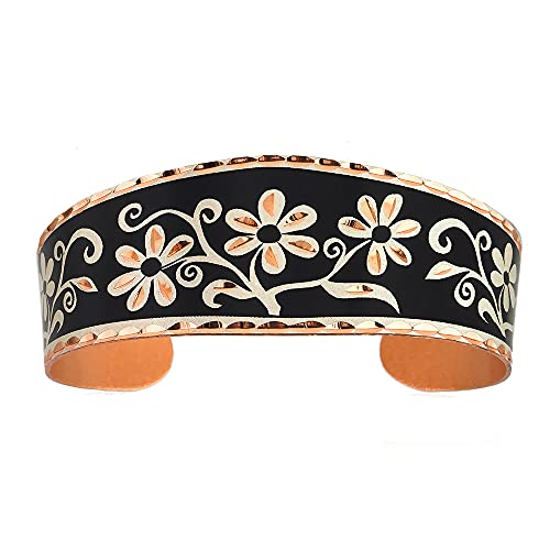 Brazaletes de flor con telón de fondo negro abierto brazalete de cobre artesano, reflexiones de cobre hechas a mano