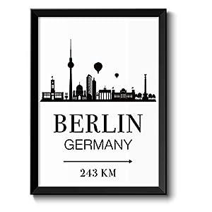 Berlin Skyline mit individueller Entfernungsangabe personalisiertes Bild optional mit Holz-Rahmen Geschenk Geschenkidee