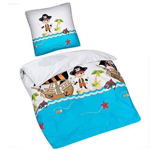 Aminata Kids Kinderbettwäsche 135x200 Junge - Pirat, Baumwolle + 80 x 80 cm Kopfkissen, mit Reißverschluss, Kinder-Bettwäsche-Set mit Piraten-Motiv ist kuschelig, Piratenschiff, blau, Flagge, Pirates