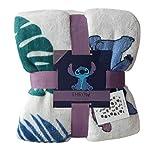 Disney Stitch Snug Rug - Coperta in pile super morbida da viaggio, idea regalo Perfetto per la camera da letto o il salotto. Da usare con divano o letto, è un regalo perfetto. In pile morbido e accogliente. Prodotto con licenza ufficiale Primark.