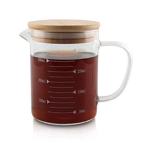 Messbecher, Temperaturbeständig Messkanne Mit Deckel,Transparent,Glas,für Mikrowelle mit Skala für Milch, Kaffee, heiße und kalte Wasserkrug - Ideal Als Küchenhelfer und Back Zubehör (350ml)