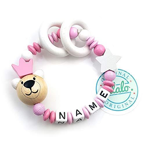 LALALO Premium Greifling mit Name, Teddy Bär + Krone, Holz Baby Rassel, Beißring, Lernspielzeug als Geschenk zur Geburt & Taufe (Rosa)