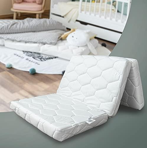 Alcube Reisebett Matratze 120 60 klappbar – für Baby Reisebett oder Gästematratze Inkl. Matratzenhülle Weiß