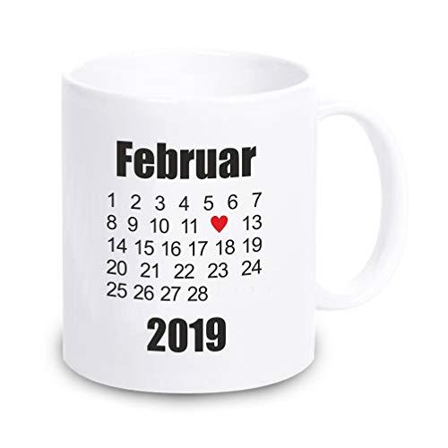 4youDesign Weiße Tasse mit beliebigem Datum Hochzeitstag, Kennenlerntag usw. - Geschenk zum Valentinstag - Hochzeitstag - Jahrestag - Kalender - Geschenkidee für Verliebte - für sie - für ihn