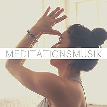 Meditationsmusik: Diese Musik eignet sich zur Meditation, kann aber auch zum Entspannen oder zum Yoga angehört werden