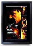 HWC Trading Cinderella Man Cast Cadeaux Russell Crowe Renee Zellweger Imprimé Affiches Image Autographes pour Les Fans De Souvenirs De Film - A3 Encadrée