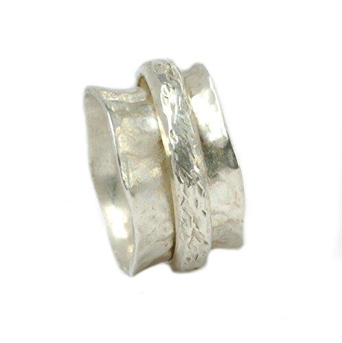 Breiter Drehring aus Silber mit gekerbter Ringschiene Größen 50 (15.9)