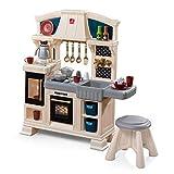 Step2 Classic Chique Kitchen Spielküche | Spielzeugküche für Kinder mit 28 teiligem Zubehör Set inkl. u.a. Geschirr & Töpfe | Kinderküche aus Kunststoff / Plastik