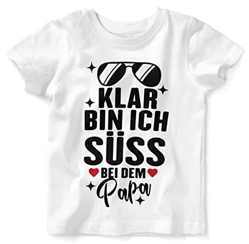 Mikalino Baby/Kinder T-Shirt mit Spruch für Jungen Mädchen Unisex Kurzarm Klar Bin ich süß - bei dem Papa | handbedruckt in Deutschland | Handmade with Love, Farbe:Weiss, Grösse:92/98