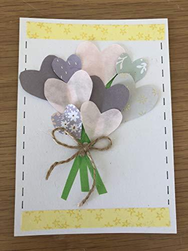 Grußkarte mit Blumenstrauß aus Herzen