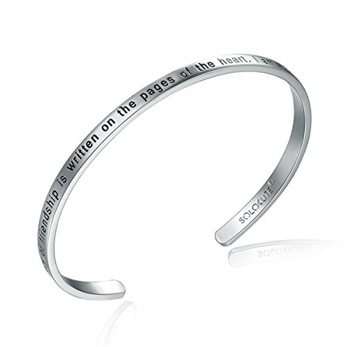 Solocute Silber Damen Armband mit Gravur The Story of Friendship is Written on The Pages of The Heart. I Am a Better Me Because of You Inspiration Frauen Armreif Schmuck