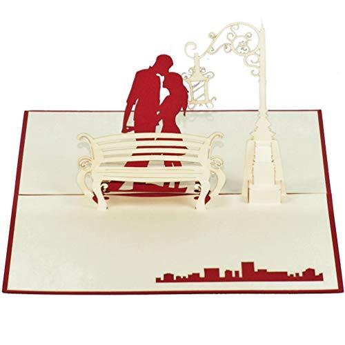 Favour Pop Up Grusskarte - Paar unter antiker Lampe. Auf kleinstem Raum ein filigranes Kunstwerk. TL018