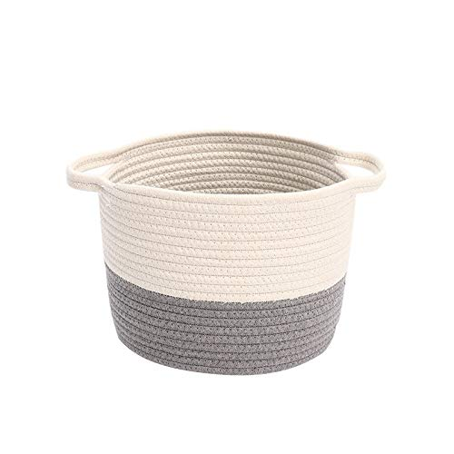 cesta con tapa con efecto mimbre de la marca Junqin