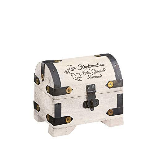 Casa Vivente Kleine Schatztruhe mit Gravur – Zur Konfirmation – Motiv Taube – Vintage Bauernkasse – Weißes Holz – Messing-Beschläge – Verpackung für Geldgeschenke – Geschenkideen für Konfirmanden