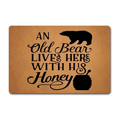 "ZQH Mats Funny Welcome Door Mat An Old Bear Lives Here With His Honey Doormat Bear Doormat Anti-Slip Mats Home Decor Welcome Mat Gift Door Mats For The Entrance Way Indoor 23.6""(W) X 15.7""(L)"