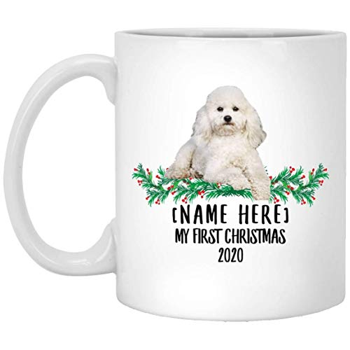 Divertido nombre personalizado Toy Poodle White First Christmas 2020 Taza de café blanco 11 oz