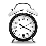 PILIFE - Reloj despertador clásico de 5 pulgadas / analógico vintage sin retroiluminación con reloj de viaje a pilas, despertador con doble timbre redondo y fuerte blanco y negro