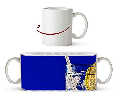 Cocktailglas mit Strohhalm Effekt: Zeichnung als Motivetasse 300ml, aus Keramik weiß, wunderbar als Geschenkidee oder ihre neue Lieblingstasse.