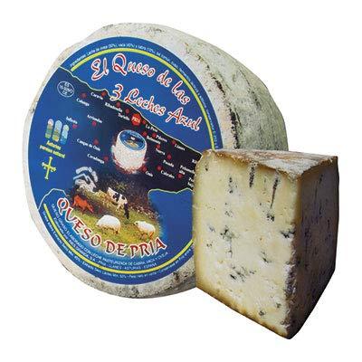 Queso Azul de Pria Tres Leches - Delicioso queso azul elaborado con leche de vaca a la que se le añaden crema de leche de oveja y crema de leche de cabra (Cuarto Queso 800 gramos)