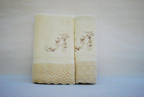 (A). Juego de 3 toallas beije(100x150, 50x100, 50x30) LETRAS INICIALES BORDADAS, 100%algodón,, fabricado en Portugal.