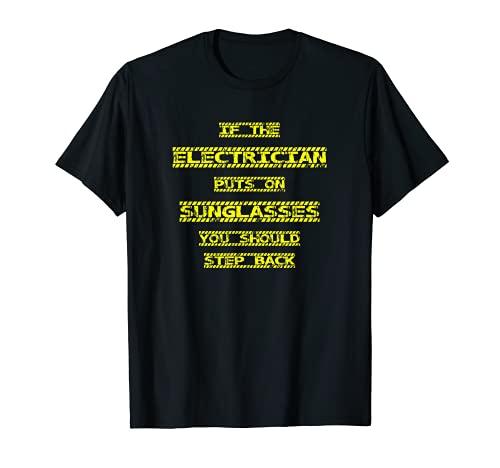 Divertido electricista con gafas de sol paso atrás Camiseta