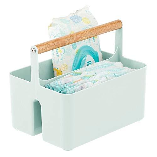 mDesign Cesta con asa para el cuarto del bebé – Caja organizadora de plástico sin BPA con asa de madera para biberones, pañales y más – Organizador de juguetes portátil con 2 apartados – verde menta