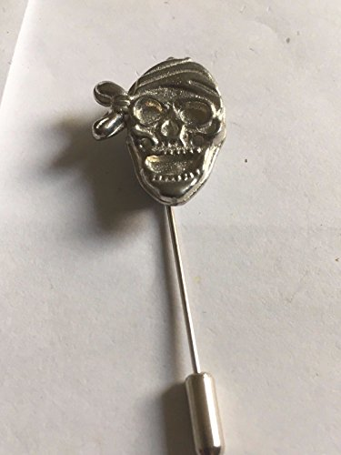 Pirat Totenkopf Bandana Größe 2,5cm x 2cm tg274English Pewter auf einem Krawattennadel Stick hat Schal Halsband geschrieben von uns Geschenke für alle 2016von Derbyshire UK